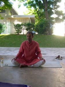 yoga-adhomukha2